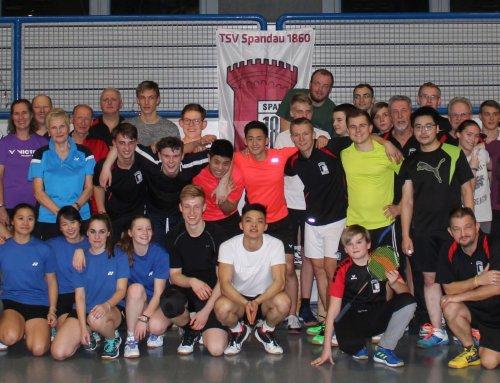 Die Badminton-Abteilung des TSV Spandau 1860 wünscht allen frohe und friedliche Weihnachten und ein gutes Neues Jahr!!
